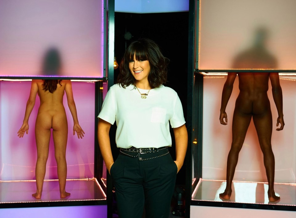 Anna Richardson é a apresentadora de 'Naked Attraction'