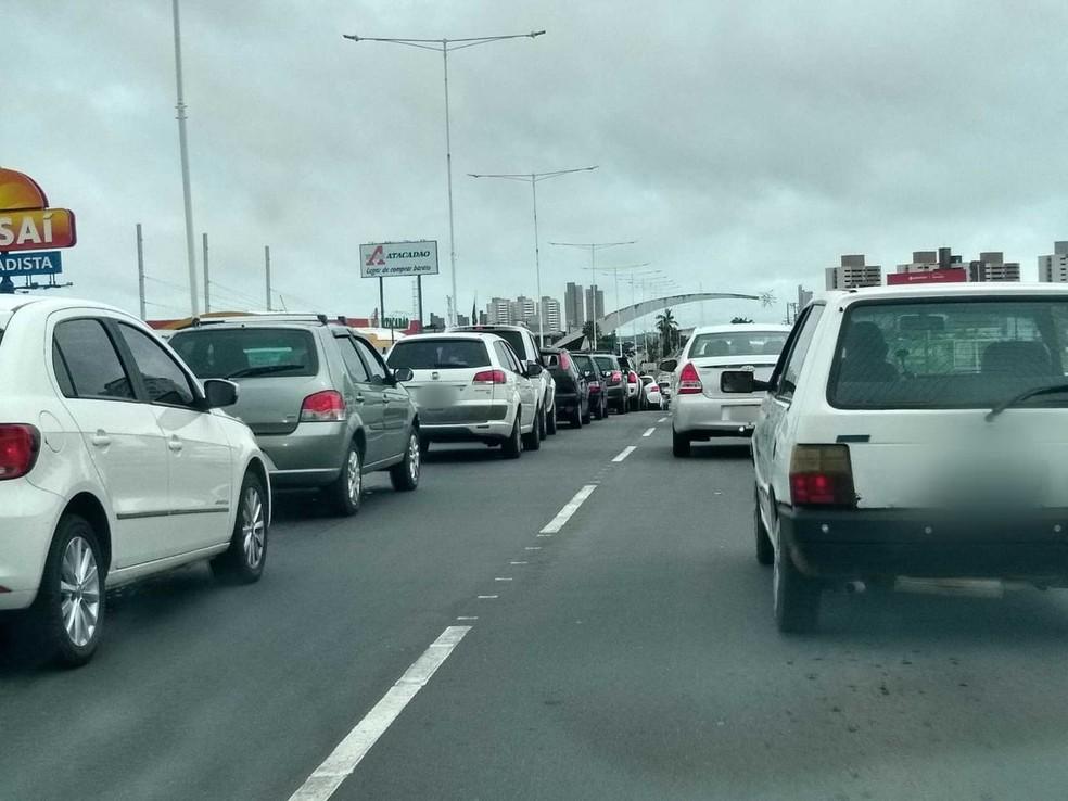 Condutores não vão precisar mais pagar taxa dos Bombeiros — Foto: Igor Jácome/G1