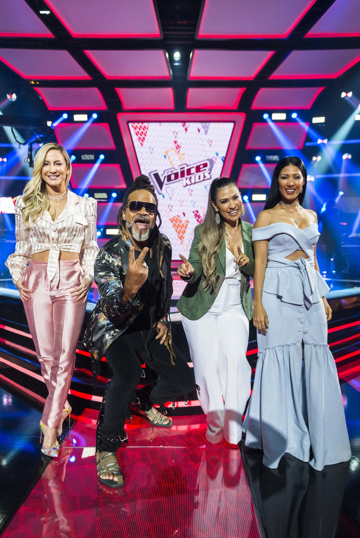 The voice s06e24 hdtv x264 2hd [eztv] / The land and the ...