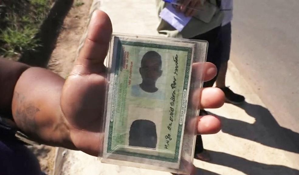 Corpo achado em porta-malas de carro é de adolescente — Foto: Reprodução/TV Bahia