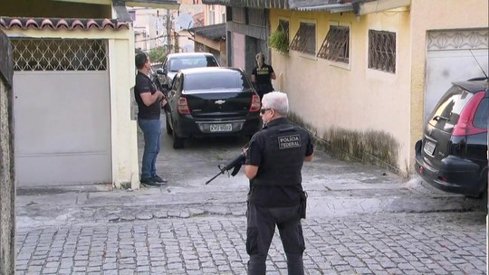 PF está nas ruas do RJ para cumprir mandados contra fraudadores do INSS