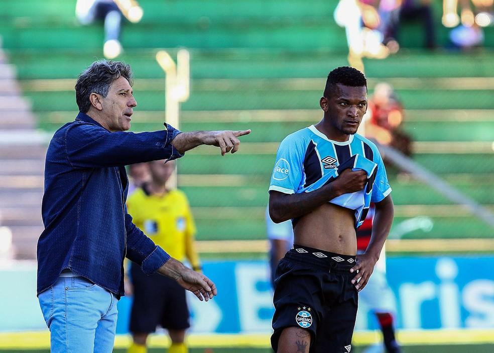 Renato citou velocidade de Jailson (Foto: Rodrigo Rodrigues/Divulgação Grêmio)