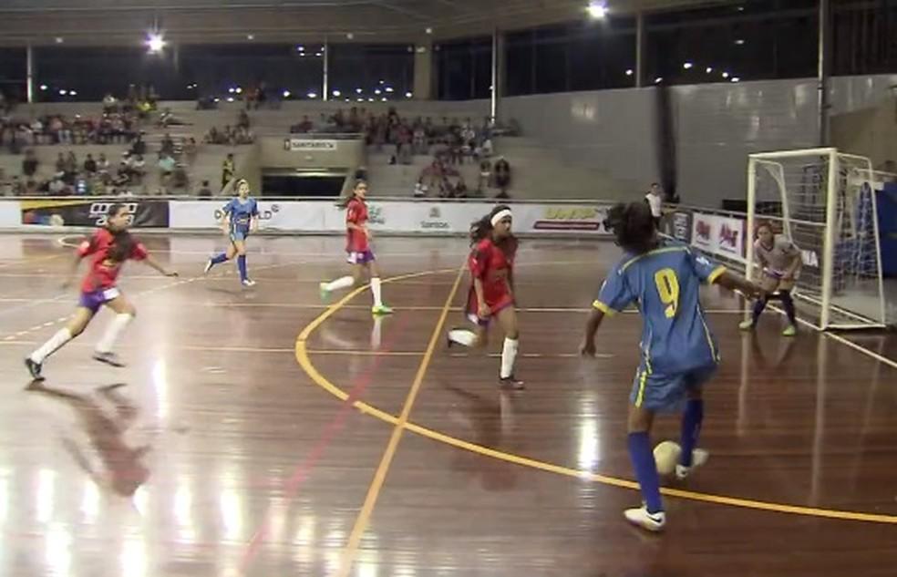 Rodada define os finalistas da 16ª Copa TV Tribuna de Futsal Escolar ... ac14fa577dba2
