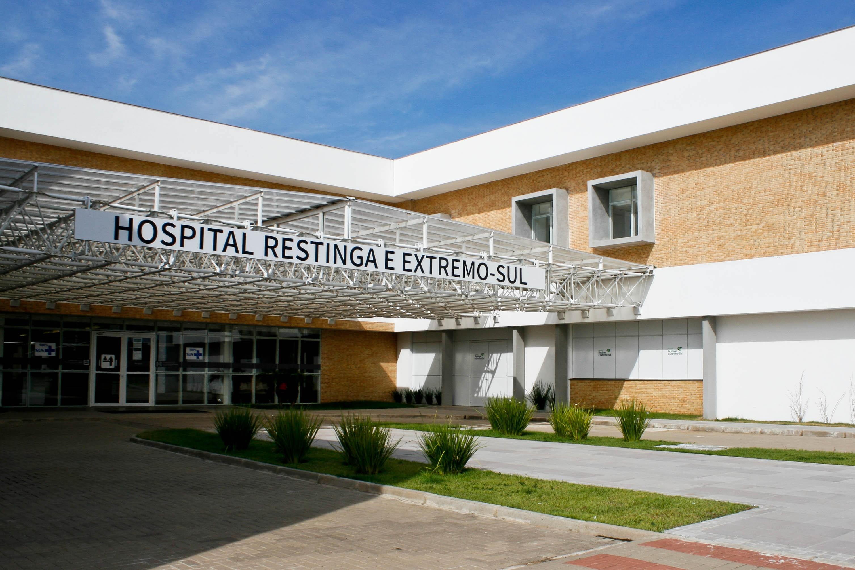 Médicos reclamam de atraso no pagamento de salários no Hospital da Restinga, em Porto Alegre