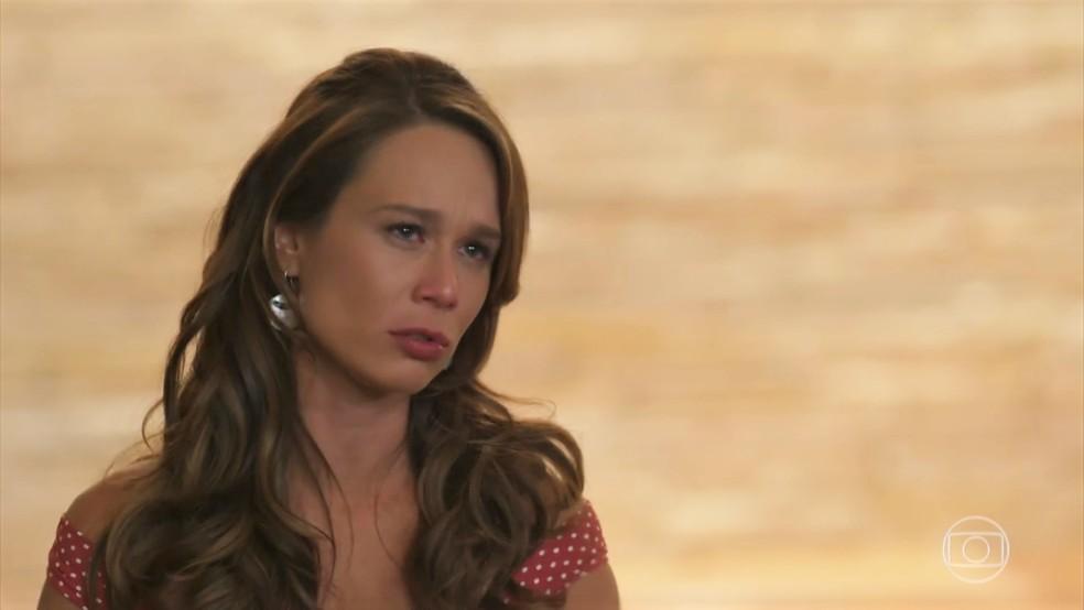 Tancinha (Mariana Ximenes) desiste da aula e vai embora - 'Haja Coração' — Foto: Globo