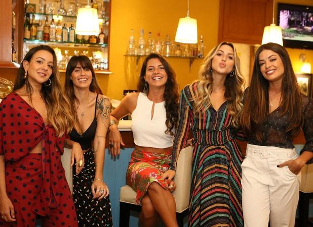 Tata Valentim, Natasha Rotta, Ntalia Teixeira, Lulu Gondim e Aline Riscado (Foto: Foto:  Divulgação)