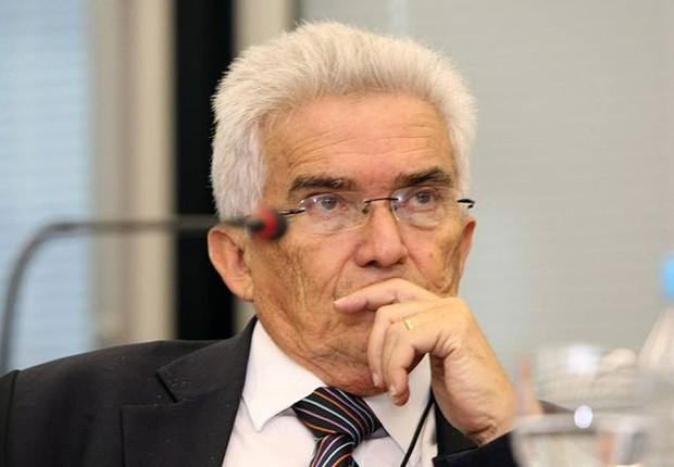 O economista Raul Velloso (Foto: Ana Branco/Agência O Globo)