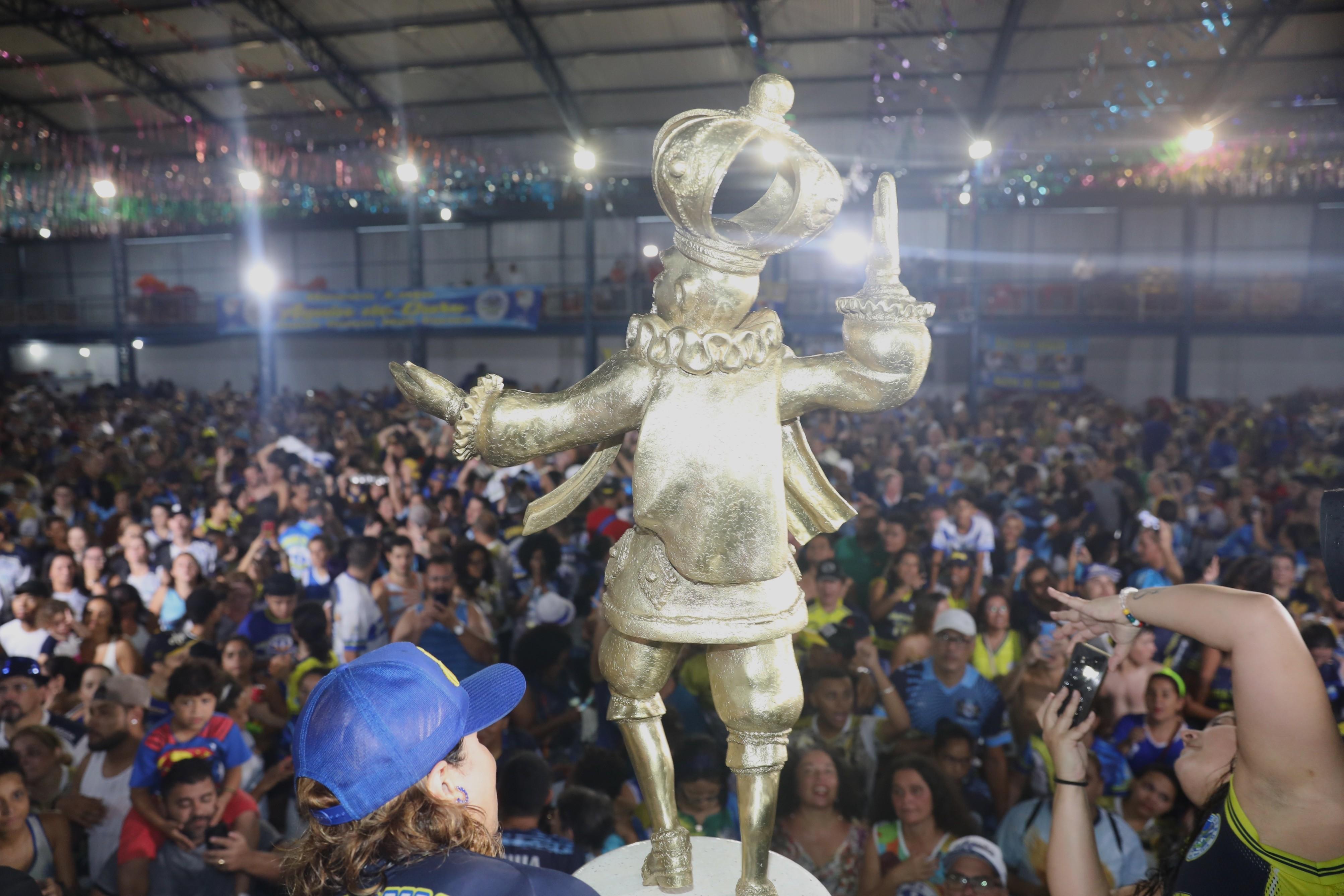 Carnaval 2020: Iza e Paolla rainhas, tombo de Lexa, topless de Jojo Todynho, Anitta e suas fantasias, veja os destaques da folia