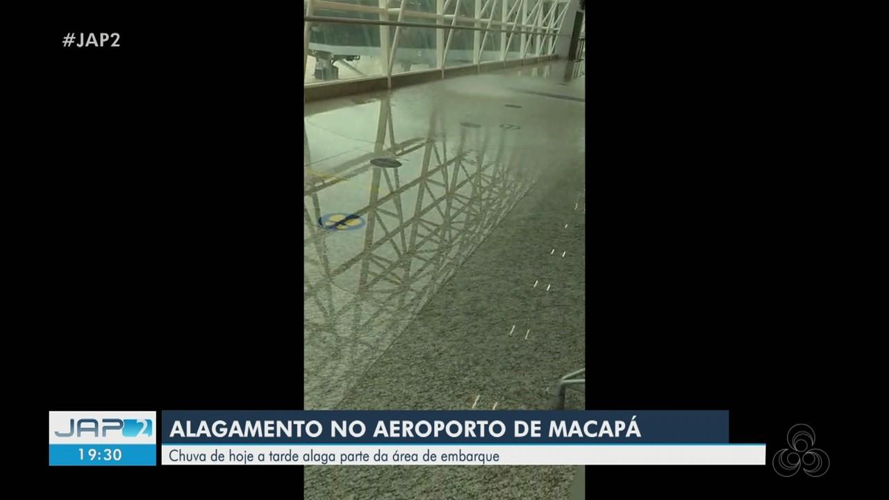 Chuva alaga parte da área de embarque do aeroporto de Macapá