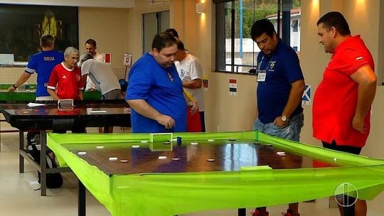 Potiguares simulam Copa do Mundo em torneio de futebol de mesa