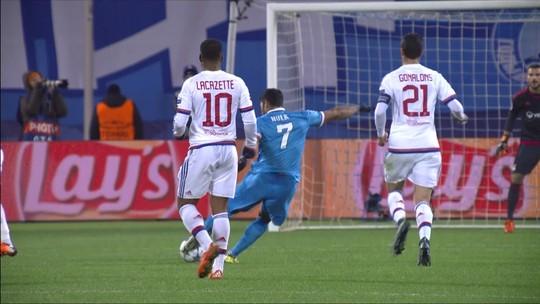 Pacotão: Neuer vai do céu ao inferno, CR7 ataca de ator, e Neymar apanha