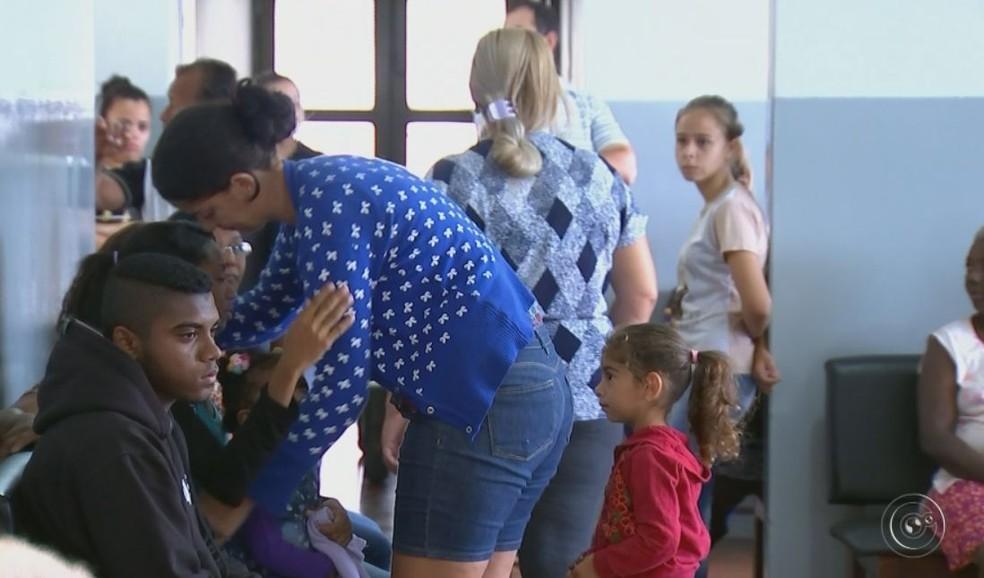 Corpo do menino foi velado no domingo (15) em Barra Bonita  (Foto: TV TEM / Reprodução )