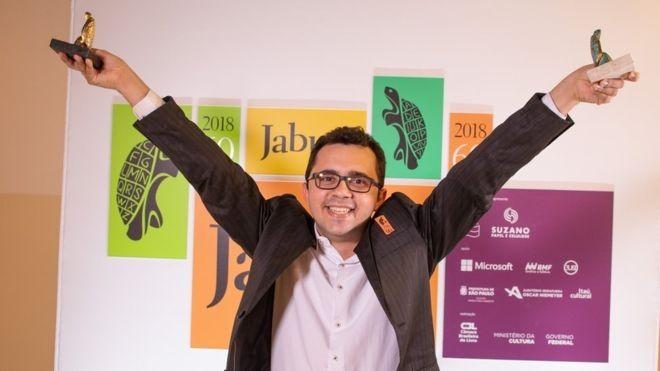 Vencedor do prêmio Jabuti que escreveu livro à mão lança obra em Campina Grande - Noticias