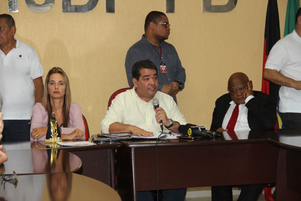 Amadeu Rodrigues (C) e Lionaldo Santos (D) (Foto: Cisco Nobre / GloboEsporte.com)