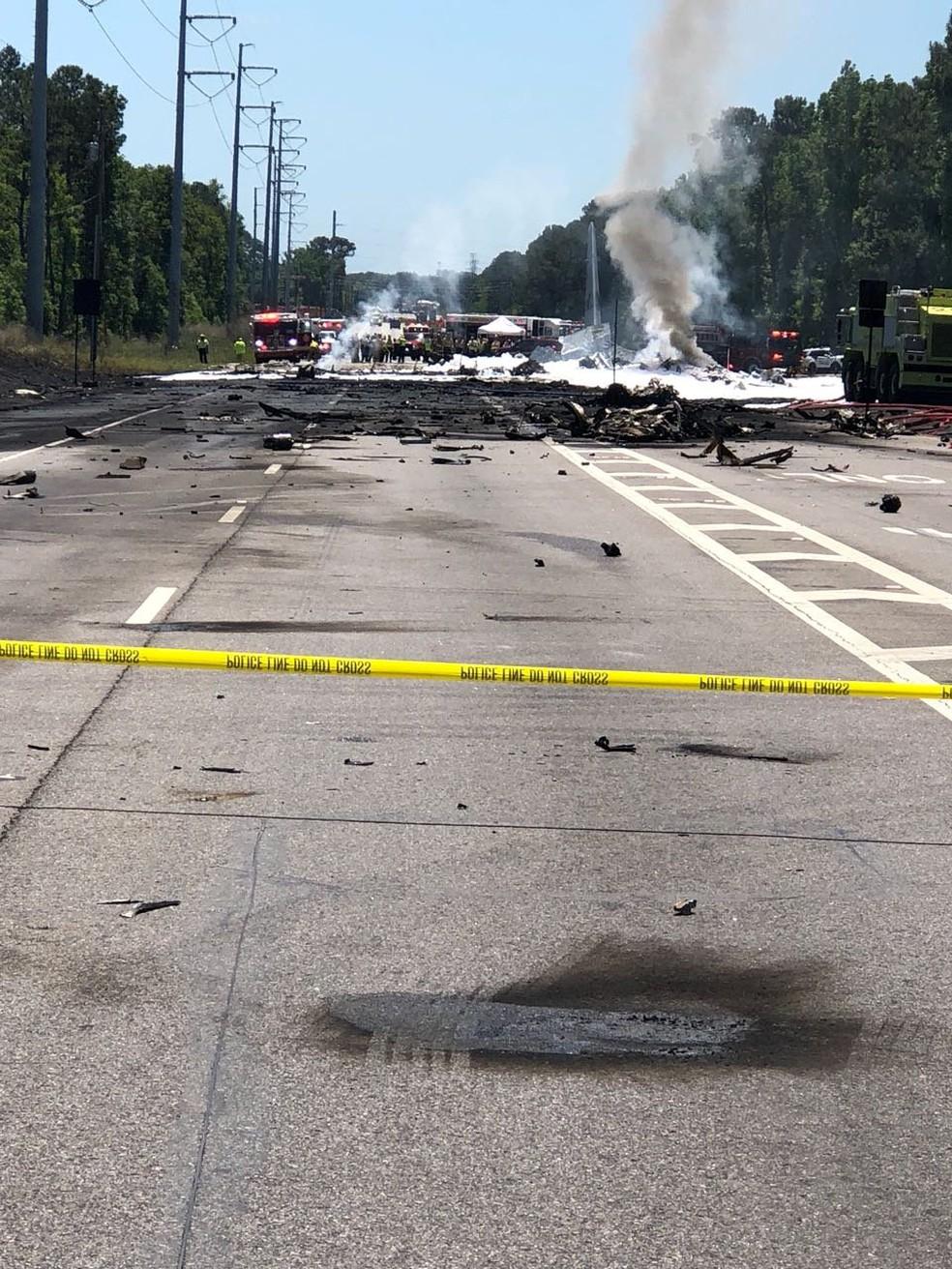 Local onde avião militar de Porto Rico caiu na Georgia, nos EUA. (Foto: TWITTER/@IAFF574/via REUTERS)