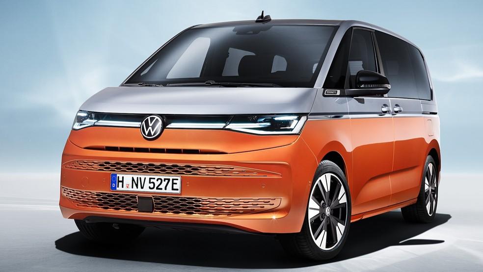Sucessora da Volkswagen Kombi tem pintura saia-e-blusa, câmbio no painel e motor do Golf GTI 35