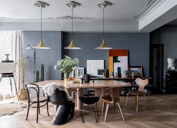 Décor do dia sala de jantar com mix de cadeiras assinadas (Foto: Divulgação)