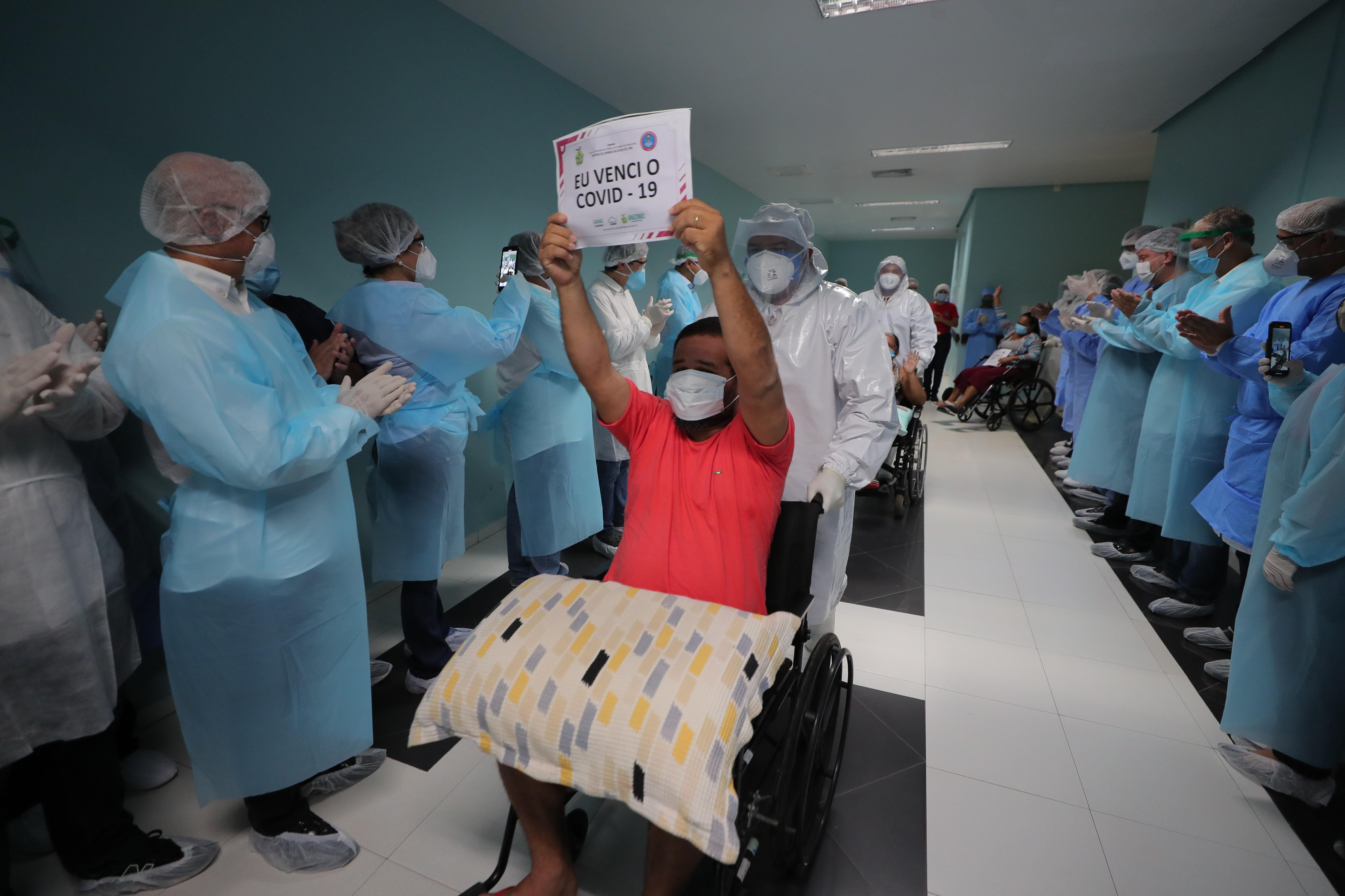 Manaus volta a ficar 24 horas sem novas mortes por Covid-19, diz governo