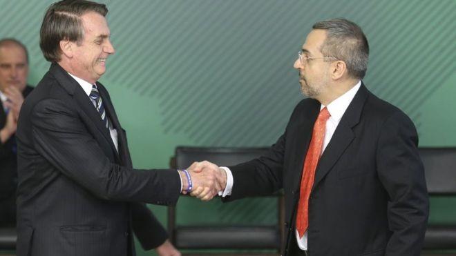 Posse de Weintraub em 9 de abril; ministro e Bolsonaro fizeram críticas a cursos de humanas nas universidades federais (Foto: ANTONIO CRUZ/AG BRASIL)