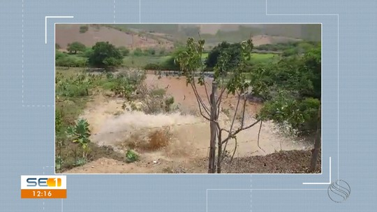 Adutora rompe e deixa moradores de quatro municípios sem água