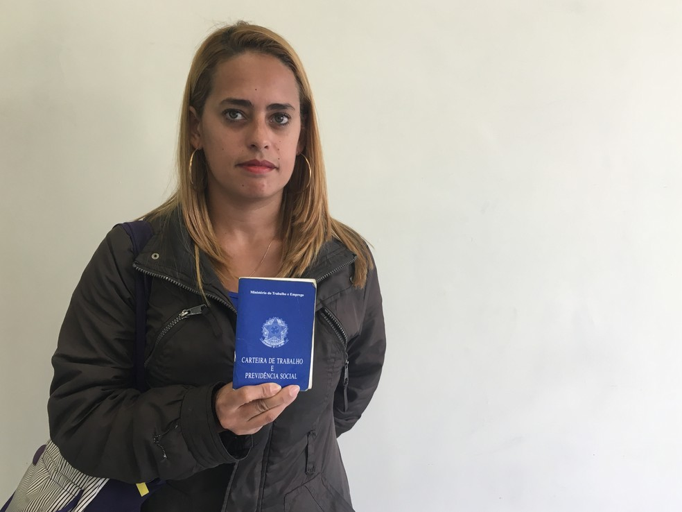 Daniele está desempregada há dois anos (Foto: Luiz Guilherme Gerbelli/G1)