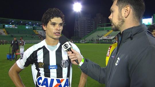 """Dodô admite incômodo com Santos perto da zona do rebaixamento: """"Temos melhorado, mas não é o suficiente"""""""