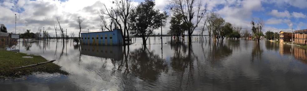 Rio Santa Maria está em elevação na Região Central do Rio Grande do Sul — Foto: Fabiana Lemos/RBS TV