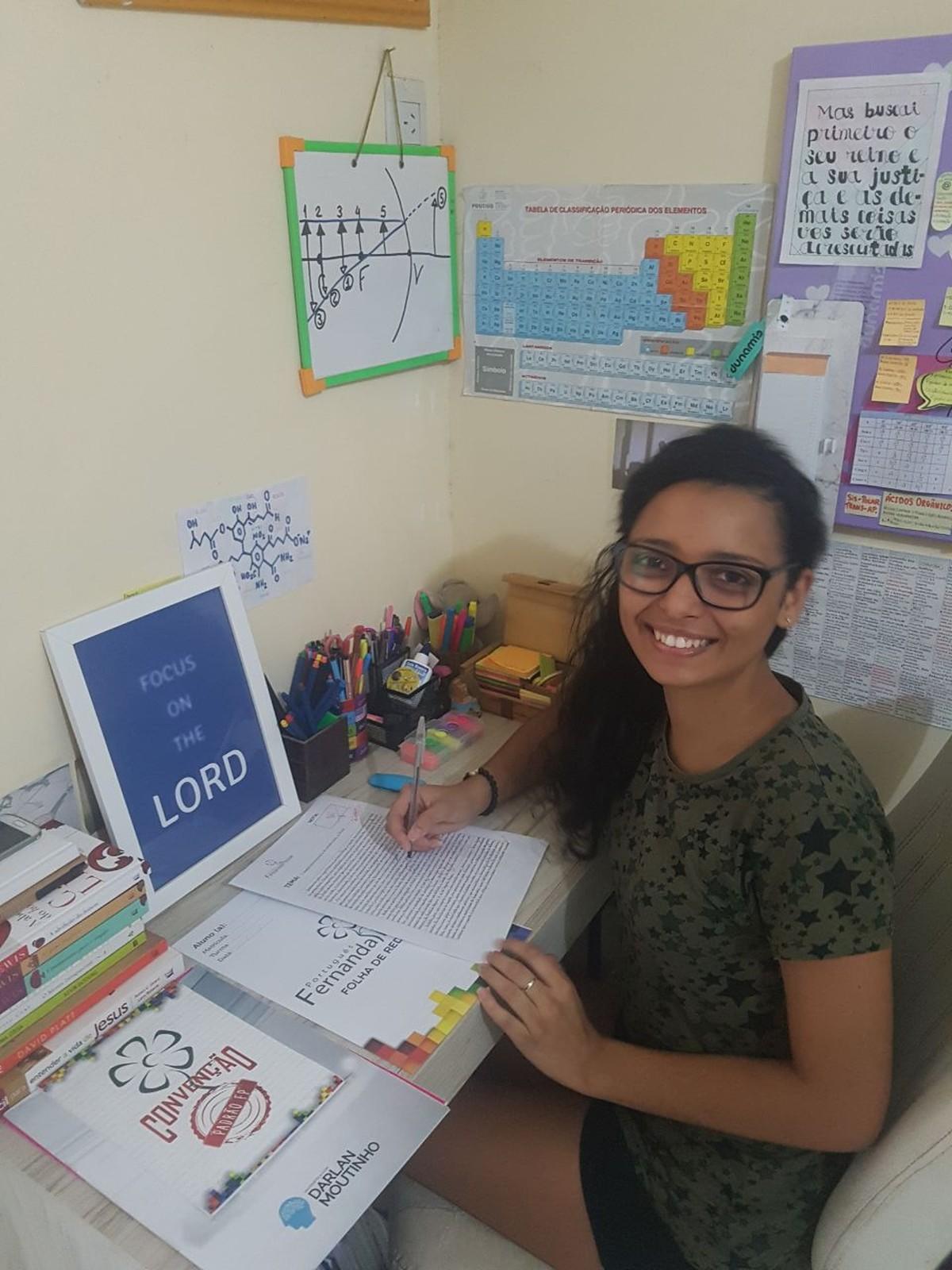 Jovem que estudou 10 horas por dia tira 960 na redação do Enem 2017: 'Sensação de tarefa cumprida'
