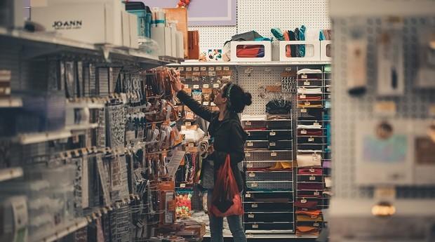 Compras; varejo; utensílios; loja; consumo (Foto: Pexels)