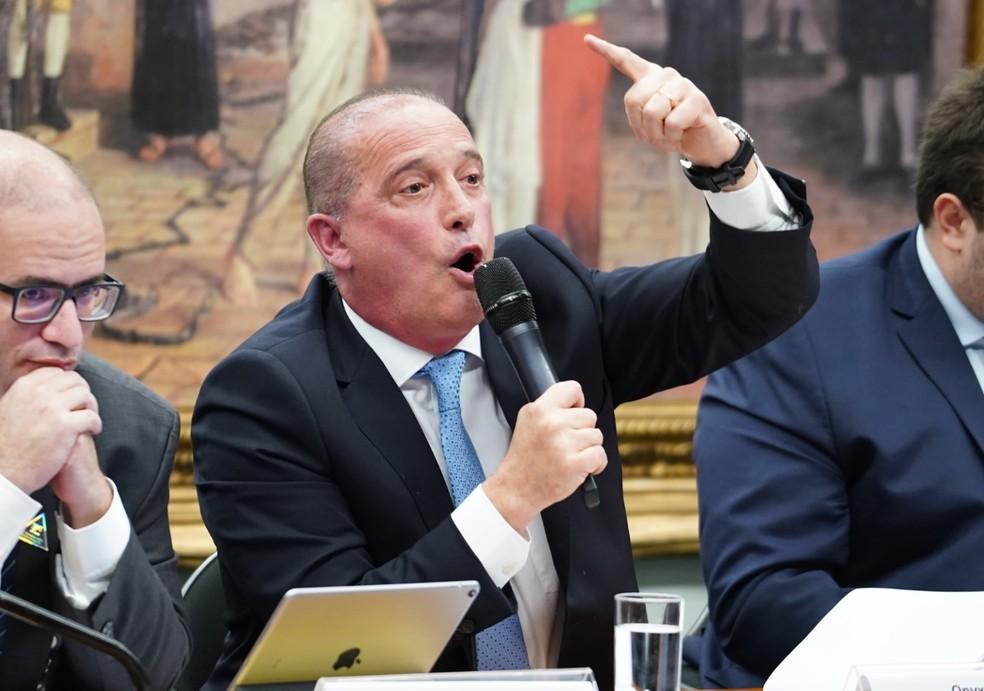 O ministro da Casa Civil, Onyx Lorenzoni, durante audiência na CCJ da Câmara nesta terça-feira (18) — Foto: Pablo Valadares/Câmara dos Deputados