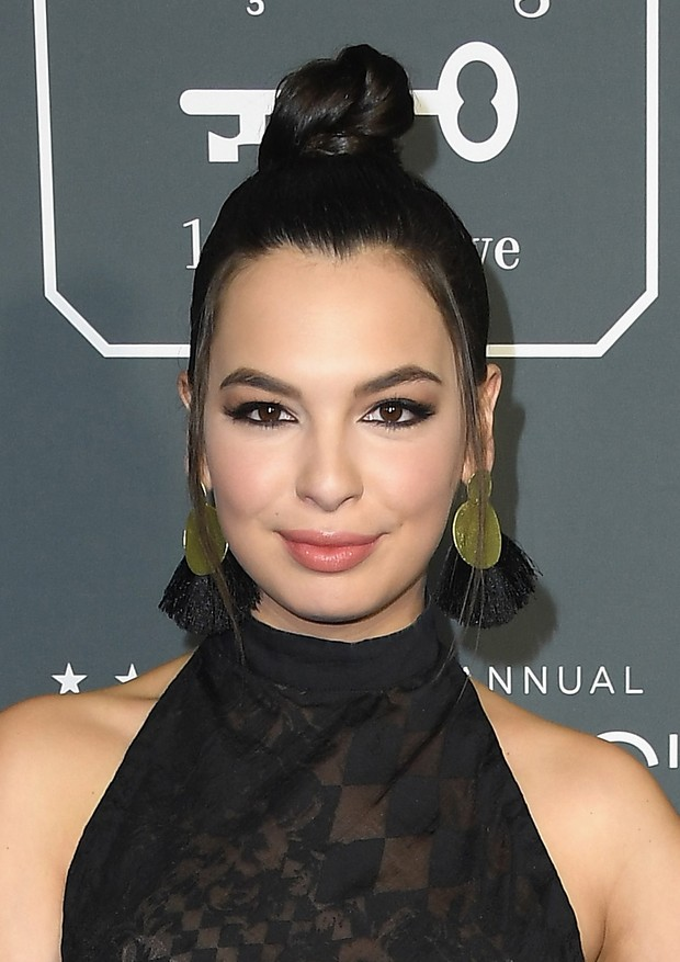 SANTA MONICA, CA - JANUARY 13:  Isabella Gomez attends the 24th annual Critics' Choice Awards at Barker Hangar on January 13, 2019 in Santa Monica, California.  (Photo by Steve Granitz/WireImage) (Foto: WireImage)