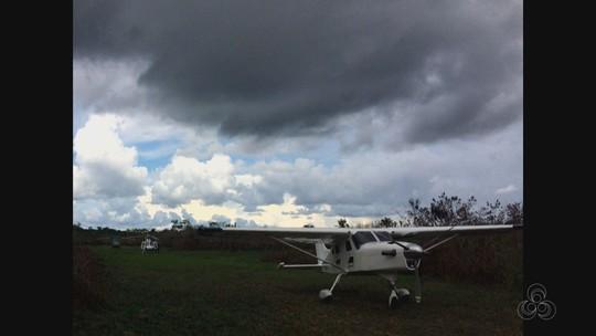 PF do AC apreende quase R$ 100 mil e avião que seria usado por traficantes