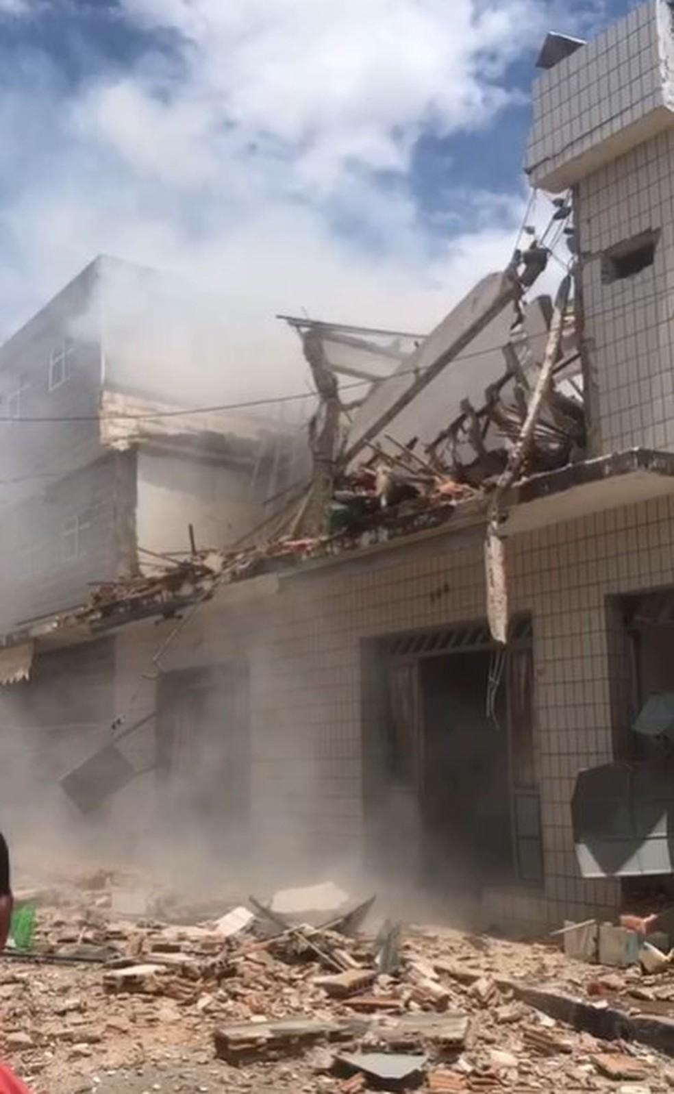 Explosão destrói sobrado no interior do RN — Foto: Redes sociais