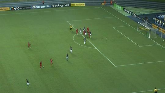 Damião desencanta após 10h, marca o 1º gol em 2018 e iguala Christian no Inter