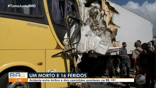 Acidente entre ônibus e dois caminhões deixa uma pessoa morta e 16 feridas na BR-101