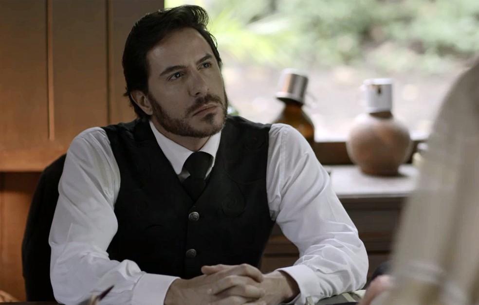 Xavier já entendeu que precisa se unir com Susana para derrubar a Rainha do Café (Foto: TV Globo)