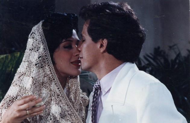 """Em """"Deus nos acuda"""" Claudia Raia e Edson Celulari viveram um casal e acabaram se apaixonando. Os dois foram casados durante 17 anos, de 1993 à 2010  (Foto: Paula Johas / Agência O Globo)"""
