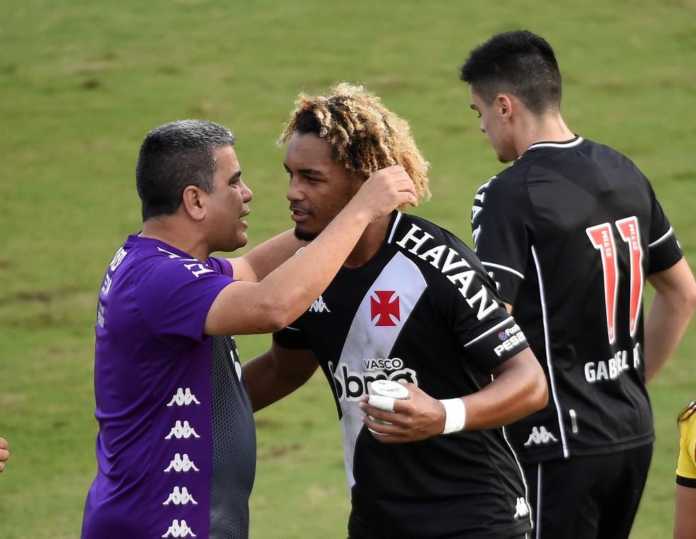 Após lesão, MT começou a ter sequência com Cabo e decidiu contra o Confiança — Foto: André Durão / ge