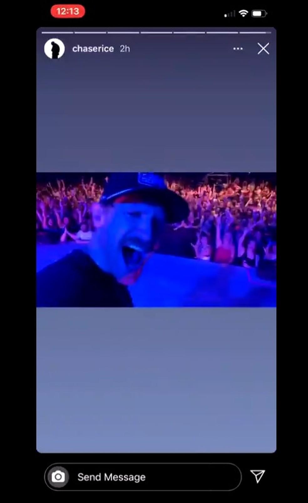 Chase Rice postou um vídeo com a multidão ao fundo no show neste sábado (27) — Foto: Reprodução/Twitter