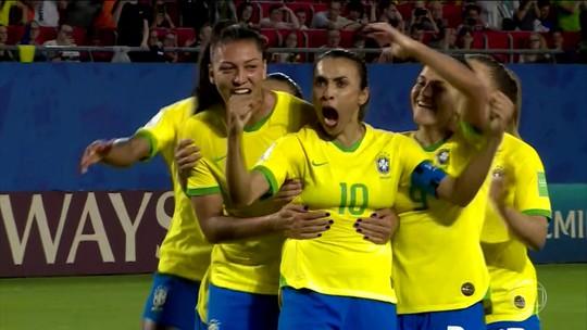 Brasil vence a Itália e se classifica para as oitavas de final da Copa do Mundo