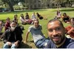 Gil do Vigor com colegas da universidade na Califórnia. Veja outros ex-'BBB's que também foram viver fora do Brasil | Reprodução