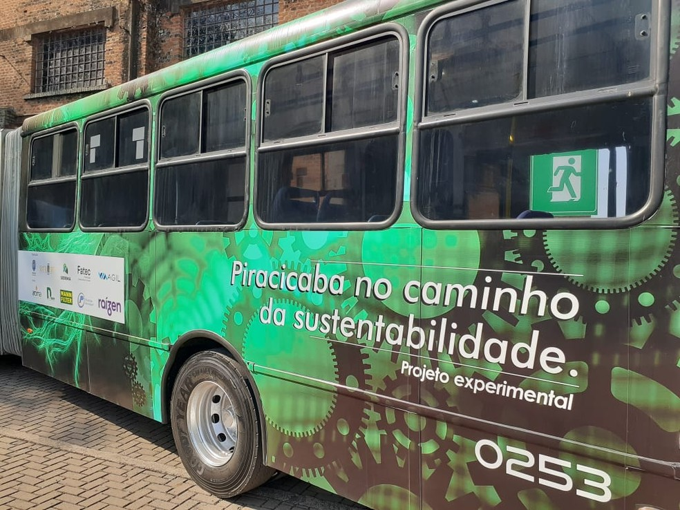 Projeto experimental B20 foi lançado nesta segunda-feira, no Engenho Central, em Piracicaba - Foto: Murillo Gomes/G1