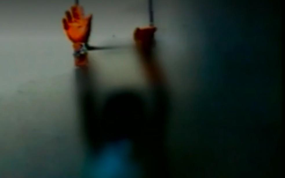 Lucélia Rodrigues da Silva foi encontrada amarrada e amordaçada em apartamento de Goiânia — Foto: Reprodução\TV Anhanguera