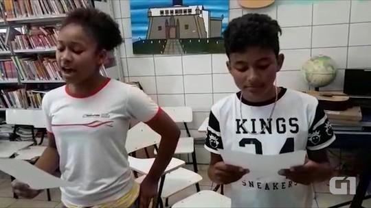 Estudantes baianos cantam música gospel e vídeo 'viraliza' nas redes sociais
