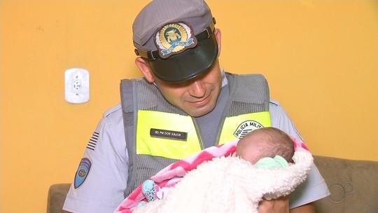 Policiais rodoviários socorrem bebê engasgada após abordar carro em alta velocidade no interior de SP