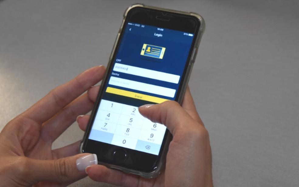 O aplicativo estará disponível  para download em Android (Google Play) e iOS (App Store) (Foto: Vitor Santana/ G1)