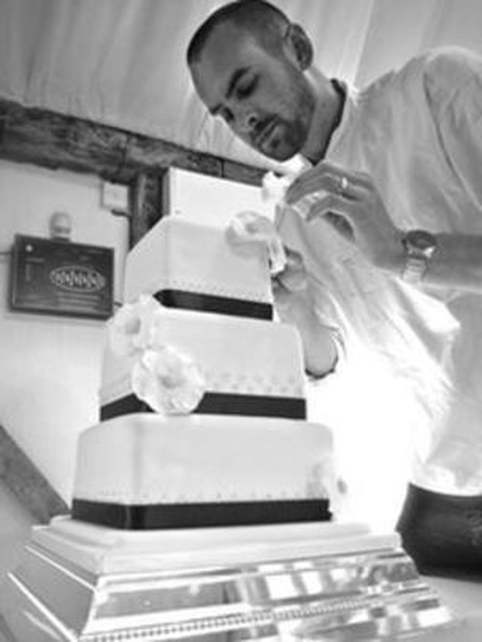 O cozinheiro Chris Holmes agora trabalha em seu próprio negócio (Foto: Chris Holmes)