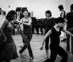 Emanuelle Araújo dança com Edvana Carvalho (esquerda) e Patrícia França na preparação para 'Malhação' | João Cotta/ TV Globo