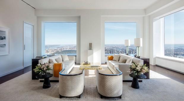 Sala de estar de um apartamento na Park Avenue, 432, onde a cantora Jennifer Lopez comprou um apartamento com seu namorado (Foto: DBOX for CIM Group/Macklowe Properties / Reprodução)