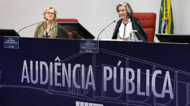 No Brasil, STF vai decidir sobre uma ação que pede que o aborto deixe de ser crime quando feito até a décima segunda semana. Na segunda, o tribunal fez audiências públicas para debater o tema (Foto: CARLOS MOURA/STF via BBC)